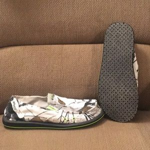 954deb550245 Legendary Whitetails Shoes - Legendary Whitetails Field Camo Slip on Shoe  (11)